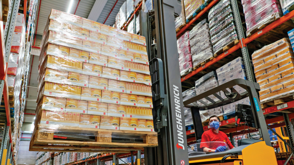 Práce v distribučních centrech